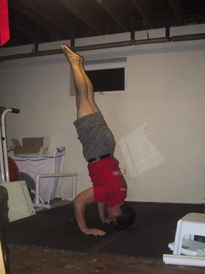 handstand pushup 01