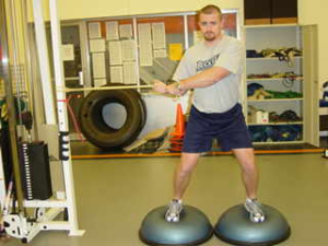 Bosu Trainer ab twist posizione iniziale